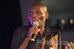 Picture of Oliver Mtukudzi